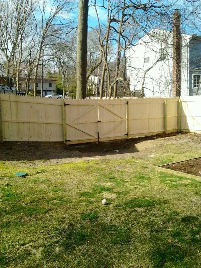 Centereach Stockade Fences
