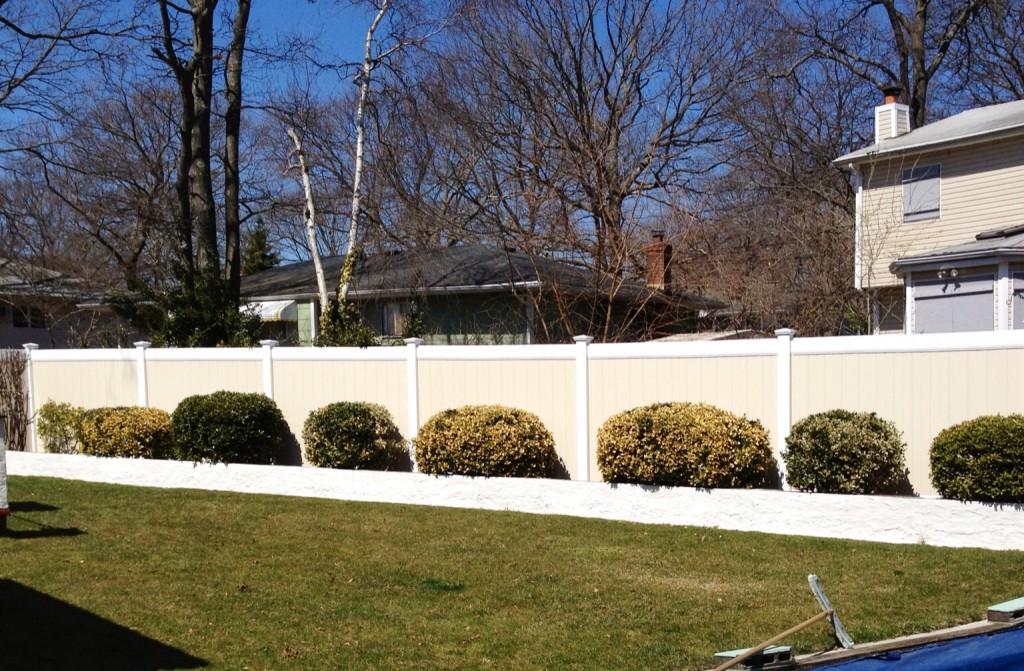 fences_in_holbrook_ny